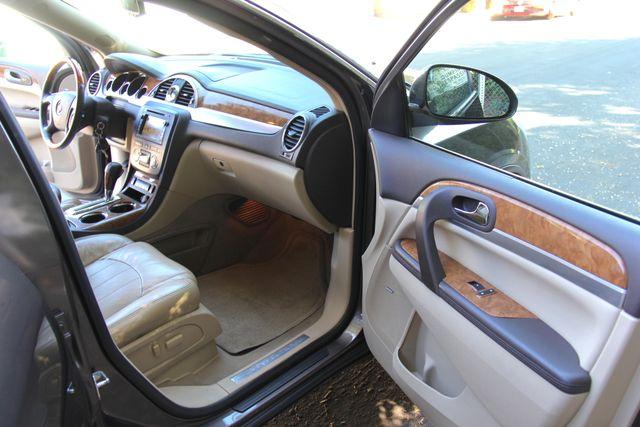 2008 Buick Enclave CXL Reseda, CA 10