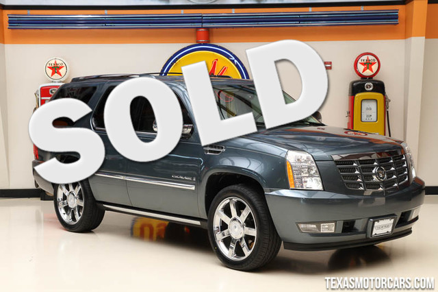 2008 Cadillac Escalade This 2008 Cadillac Escalade is in great shape with only 105 453 miles The