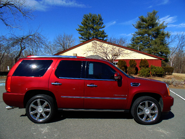 2008 Cadillac Escalade LUXURY Leesburg, Virginia 4