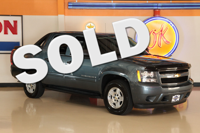 2008 Chevrolet Avalanche LS This 2008 Chevy Avalanche is in great shape with only 104 644 miles T