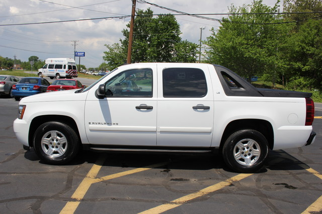 2008 Chevrolet Avalanche LS Mooresville , NC 3