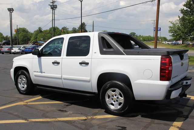 2008 Chevrolet Avalanche LS Mooresville , NC 4