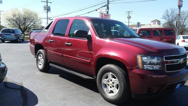 2008 Chevrolet Avalanche LS Richmond, Virginia 2