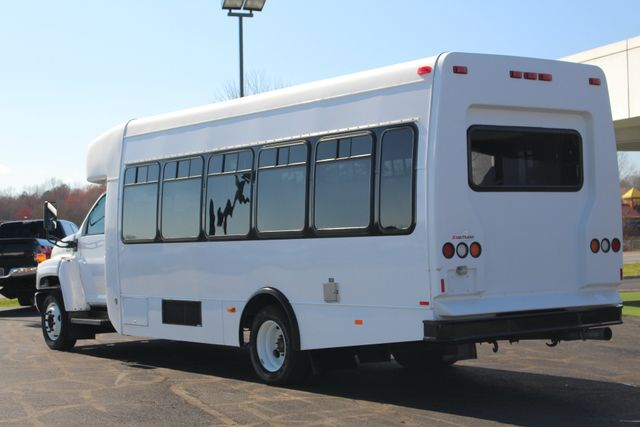 2008 Chevrolet C5500 Supreme SHUTTLE BUS - WHEELCHAIR LIFT! Mooresville , NC 21