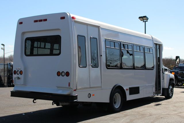 2008 Chevrolet C5500 Supreme SHUTTLE BUS - WHEELCHAIR LIFT! Mooresville , NC 22