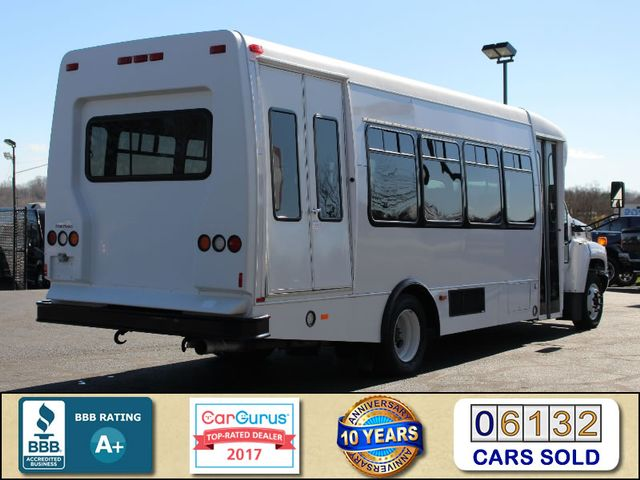 2008 Chevrolet C5500 Supreme SHUTTLE BUS - WHEELCHAIR LIFT! Mooresville , NC 2