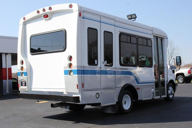 2008 Chevrolet Express  StarTrans Senator Handicap Mooresville , NC 3