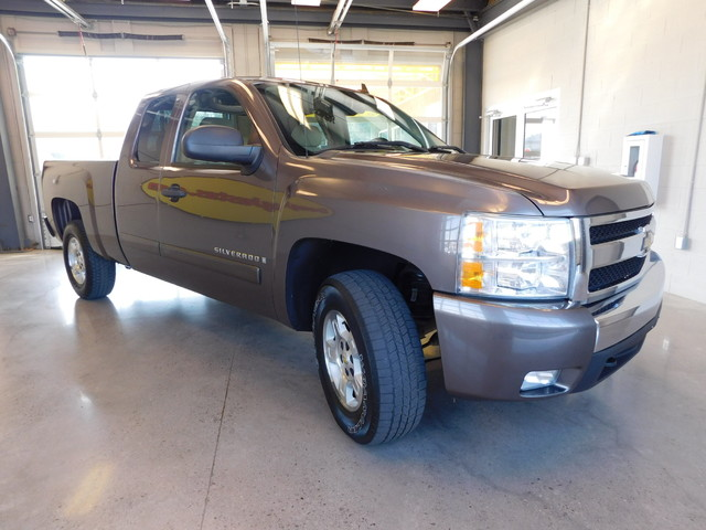 2008 Chevrolet Silverado 1500 LT w1LT  city TN  Doug Justus Auto Center Inc  in Airport Motor Mile ( Metro Knoxville ), TN