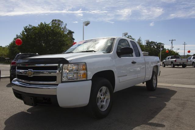 2008 Chevrolet Silverado 1500 LT w1LT  VIN 1GCEK19J38Z263169 117k miles  AMFM CD Player CD