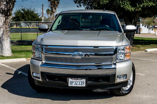 "2008 Chevrolet Silverado 1500 LT w/1LT - AUTO - 20"" WHEELS Reseda, CA 36"