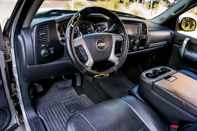 "2008 Chevrolet Silverado 1500 LT w/1LT - AUTO - 20"" WHEELS Reseda, CA 14"