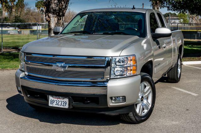 "2008 Chevrolet Silverado 1500 LT w/1LT - AUTO - 20"" WHEELS Reseda, CA 41"