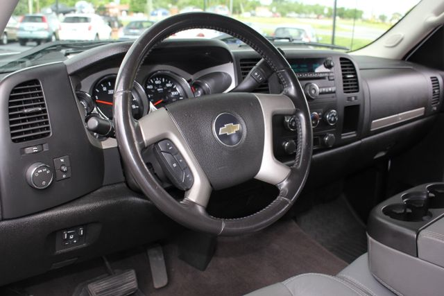 2008 Chevrolet Silverado 3500HD 4x4 LT w/1LT Mooresville , NC 16