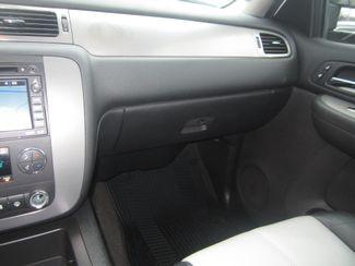 2008 Chevrolet Suburban LT w/3LT Batesville, Mississippi 27