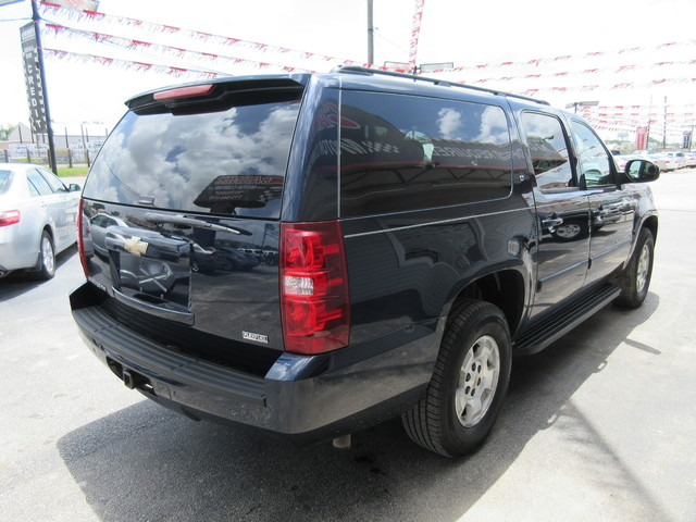 2008 Chevrolet Suburban, PRICE SHOWN IS THE DOWN PAYMENT south houston, TX 4