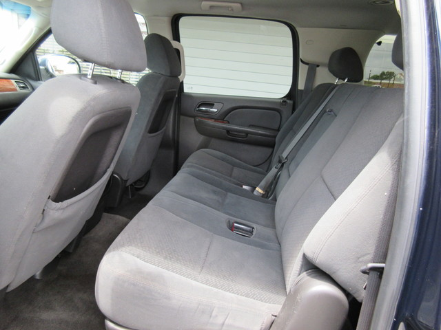 2008 Chevrolet Suburban, PRICE SHOWN IS THE DOWN PAYMENT south houston, TX 9