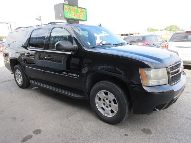 2008 Chevrolet Suburban, PRICE SHOWN IS THE DOWN PAYMENT south houston, TX 8