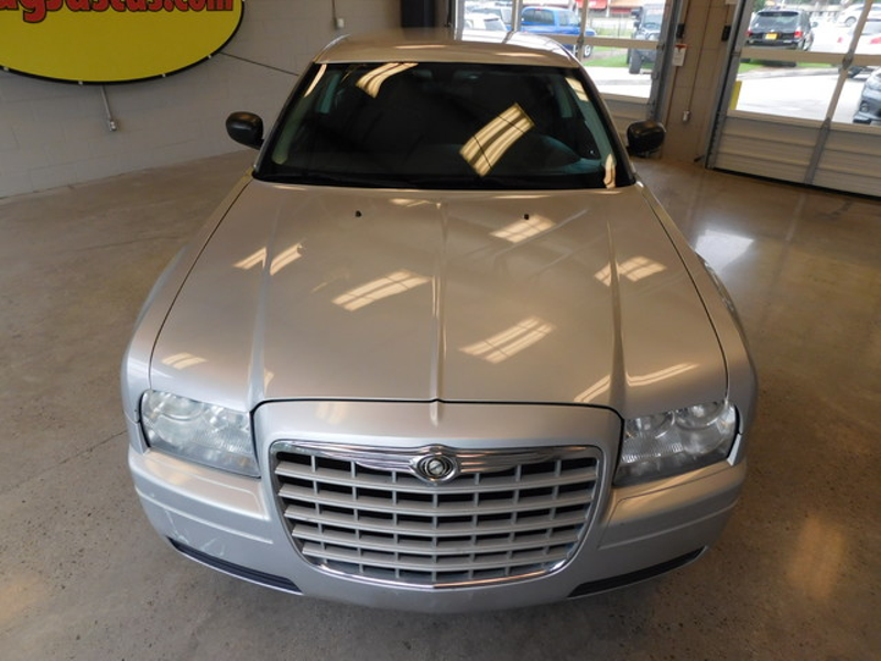2008 Chrysler 300 LX  city TN  Doug Justus Auto Center Inc  in Airport Motor Mile ( Metro Knoxville ), TN