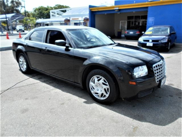 2008 Chrysler 300 LX Limited warranty included to assure your worry-free purchase AutoCheck repor