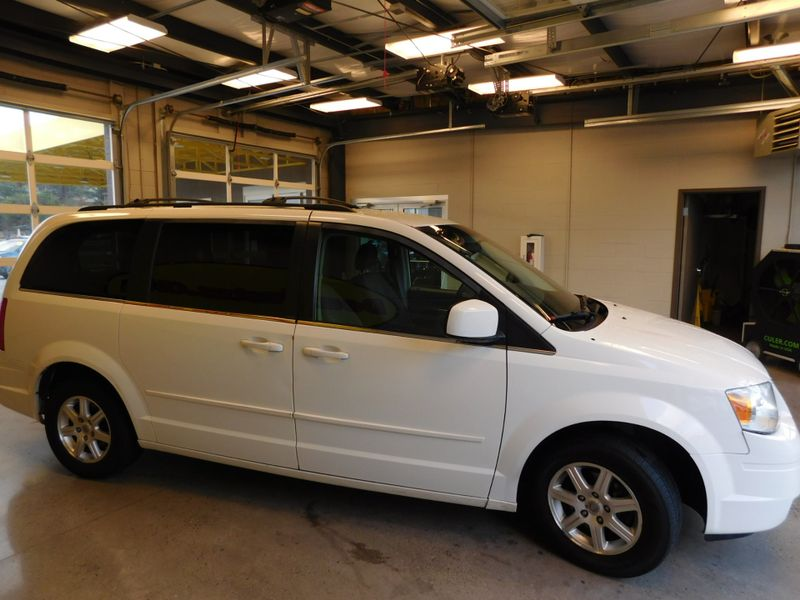 2008 Chrysler Town  Country Touring  city TN  Doug Justus Auto Center Inc  in Airport Motor Mile ( Metro Knoxville ), TN