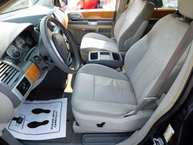 2008 Chrysler Town & Country Limited Ephrata, PA 10