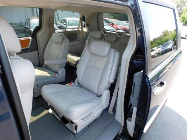 2008 Chrysler Town & Country Limited Ephrata, PA 16
