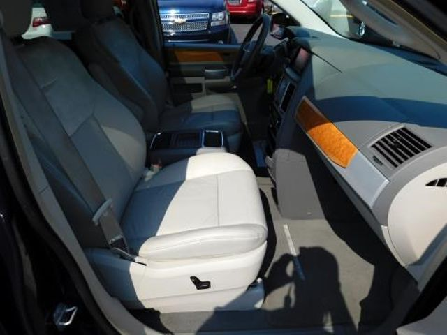 2008 Chrysler Town & Country Limited Ephrata, PA 22