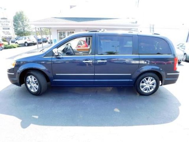 2008 Chrysler Town & Country Limited Ephrata, PA 6