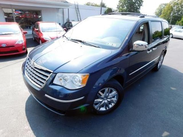 2008 Chrysler Town & Country Limited Ephrata, PA 7