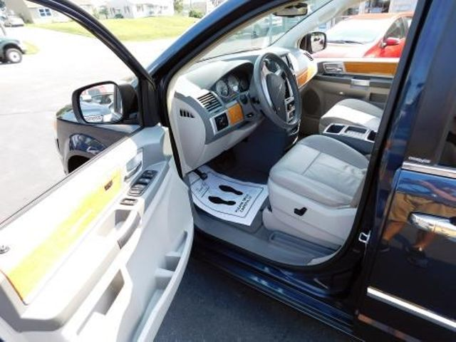 2008 Chrysler Town & Country Limited Ephrata, PA 9