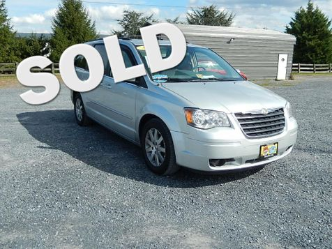 2008 Chrysler Town & Country Touring | Harrisonburg, VA | Armstrong's Auto Sales in Harrisonburg, VA