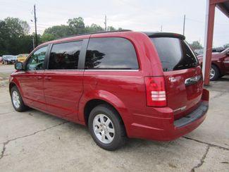 2008 Chrysler Town & Country Touring Houston, Mississippi 4