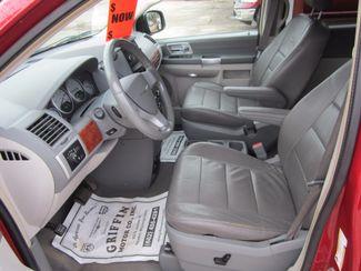 2008 Chrysler Town & Country Touring Houston, Mississippi 6