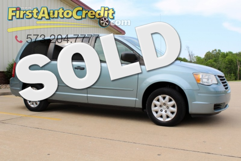 2008 Chrysler Town & Country LX in Jackson  MO
