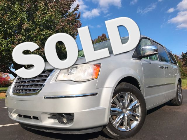 2008 Chrysler Town & Country Limited Leesburg, Virginia 0