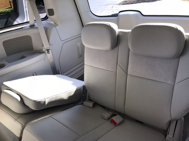 2008 Chrysler Town & Country Limited Leesburg, Virginia 15