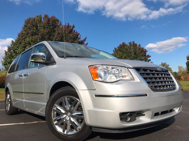 2008 Chrysler Town & Country Limited Leesburg, Virginia 1