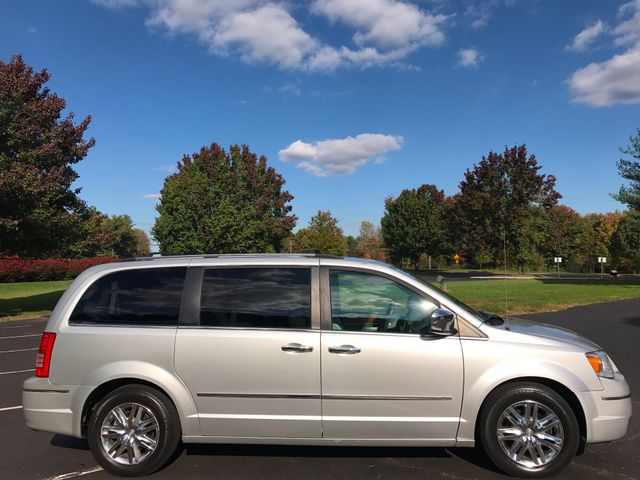 2008 Chrysler Town & Country Limited Leesburg, Virginia 5