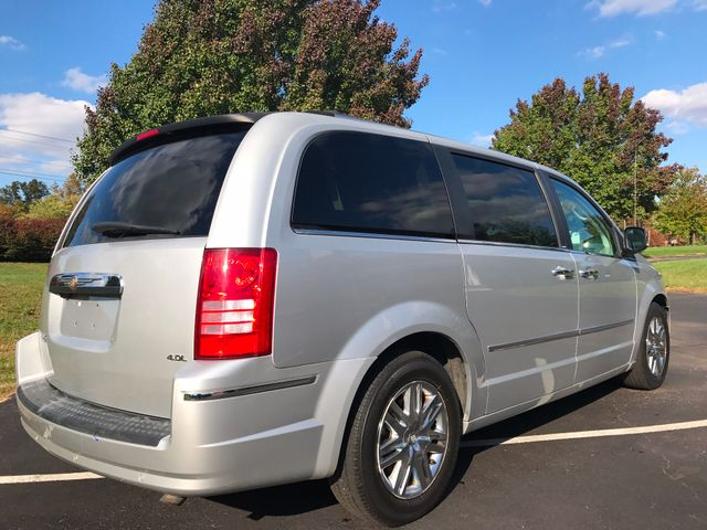 2008 Chrysler Town & Country Limited Leesburg, Virginia 3