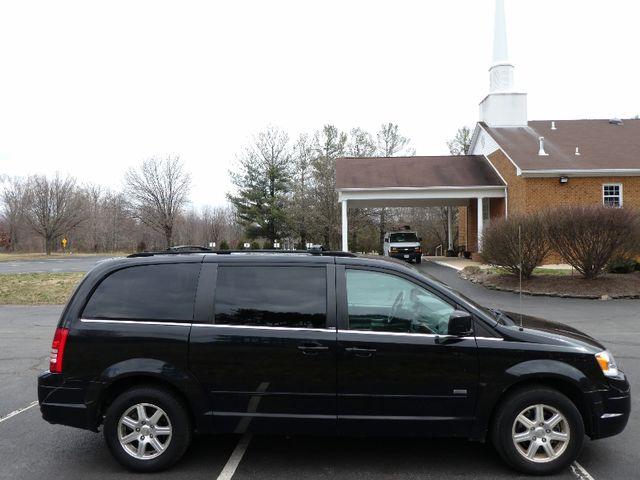 2008 Chrysler Town & Country Touring Leesburg, Virginia 4