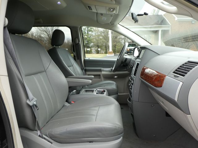2008 Chrysler Town & Country Touring Leesburg, Virginia 16