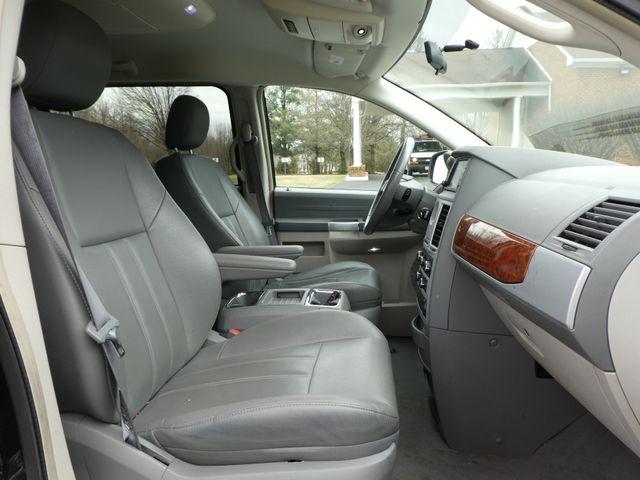 2008 Chrysler Town & Country Touring Leesburg, Virginia 7