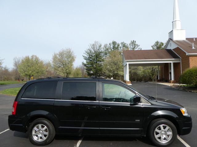 2008 Chrysler Town & Country Touring Leesburg, Virginia 4