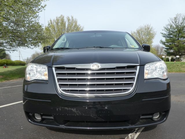 2008 Chrysler Town & Country Touring Leesburg, Virginia 7
