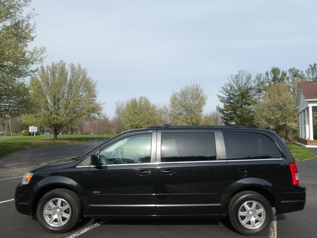 2008 Chrysler Town & Country Touring Leesburg, Virginia 5