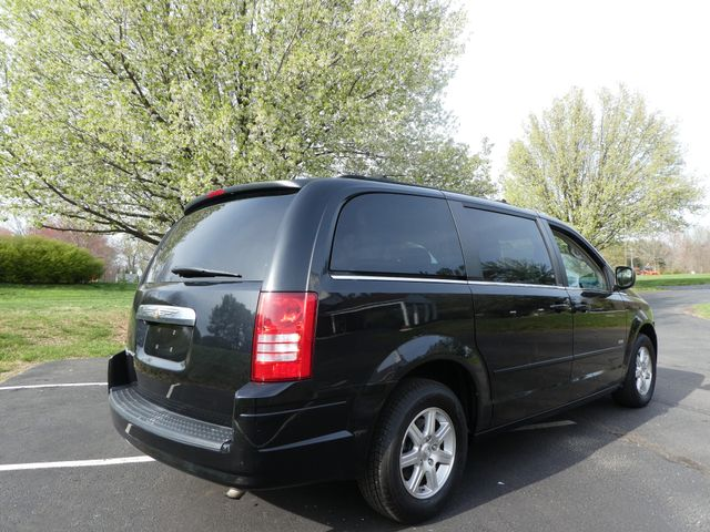 2008 Chrysler Town & Country Touring Leesburg, Virginia 3