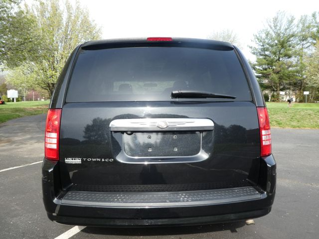 2008 Chrysler Town & Country Touring Leesburg, Virginia 6