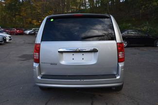 2008 Chrysler Town & Country Touring Naugatuck, Connecticut 3