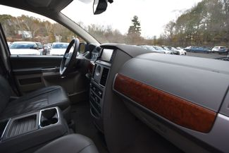 2008 Chrysler Town & Country Touring Naugatuck, Connecticut 8