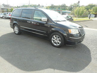 2008 Chrysler Town & Country Limited New Windsor, New York 1